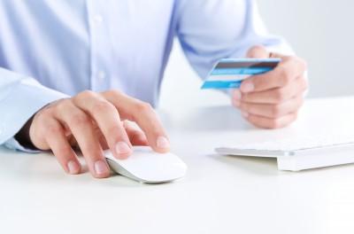 Kaum noch wegzudenken aus dem Onlinehandel: Bequemes Zahlen per Kreditkarte